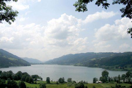 Bio Ferienhof Hagspiel See mit Wiese